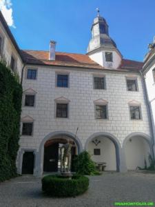 Der Innenhof des Wasserschlosses