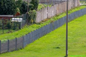 Zaun und Mauer zum Osten
